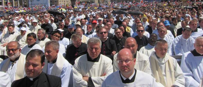 Sint Pietersplein vol met religieuzen